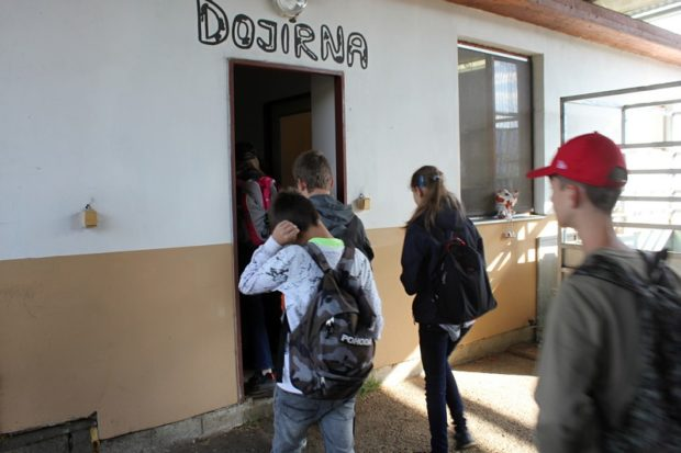 Exkurze biofarma Agrofyto - dojírna