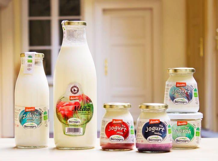 Bio mléčné výrobky ve vratných lahvích z jihočeského Bemagra